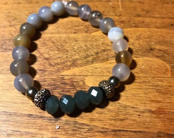 Natural grey beaded bracelet