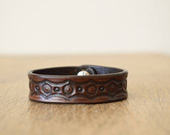 Brown Leather Bracelet,Brown Leather Cuff,Genuine Leather Bracelet,Leather Bracelet,Vegetable Tanned Leather Cuff, Tooled Leather Cuff