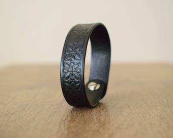 Black Leather Bracelet,Black Leather Cuff,Genuine Leather Bracelet,Leather Bracelet,Vegetable Tanned Leather Cuff, Tooled Leather Cuff