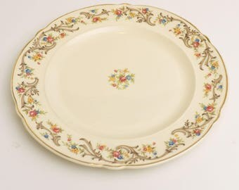 SIX Vintage 1942 Taylor Smith and Taylor USA Vogue Scroll & Floral Rim Floral Center TST180 Dinner Plates