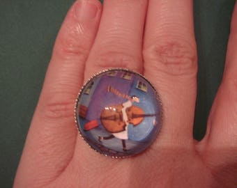 """""""the street musician"""" glass cabochon ring"""