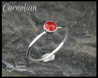 Red carnelian and sterling silver ring, 5 mm cabochon. Hammered finish, 1.2 mm ring. Skinny ring, thin ring, stacking ring.