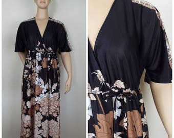 Vintage Womens 1970s Black Brown and Cream Floral Print Short Sleeve Full Length Wrap Style Robe | Size M