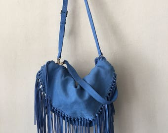 Blue leather shoulders hand bag Sorial woman size medium .