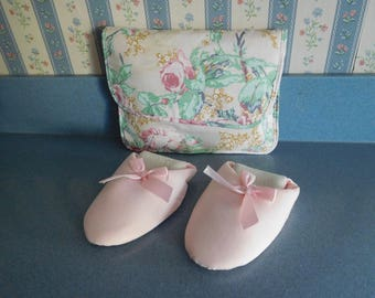 Vintage DearFoam Ladies Slip-on Slippers in Carry Case Size Medium 6 1/2 - 7