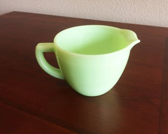 Vintage Green Milk Glass 2 Cup Measuring Cup