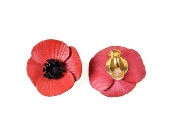 Leather clips poppy Flower Earrings