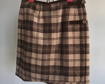 Vintage sz S 24/25 brown plaid skirt