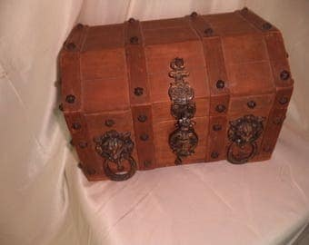 Vintage Wood Pirate's  LION HEAD BRASS Treasure Chest Jewelry Watch Box