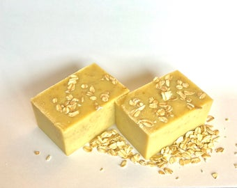 Organic Goats Milk, Honey, Oat, Lavender soap
