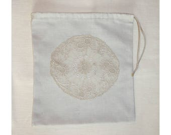 Small bag of cotton fabric and lace