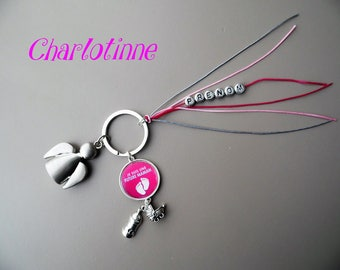 ¤ Keychain personalized for an expectant mother.