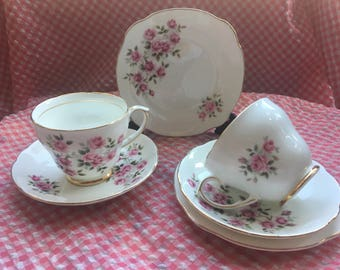 Really pretty duchess roses trio / english bone china / cup ,saucer , side plate