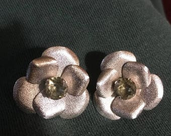 SALE Vintage 50s Silver-Tone Clip-On Earrings with Olive Green Peridod Like Glass Rhinestones