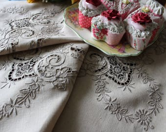 Stunning Vintage Hand Embroidered Linen Tablecloth Reticella Lace  Inserts Cream