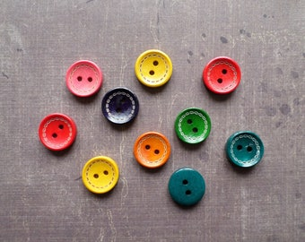 40 buttons wood round Contour line mix of colors