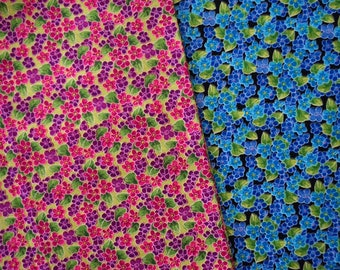 Bold Little Flowers - Fat Quarter Bundle - 2 pieces