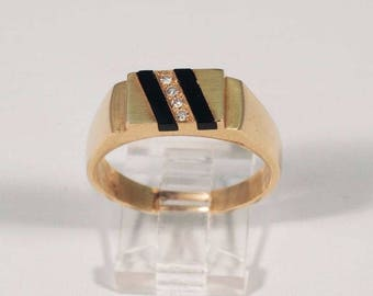14K Yellow Gold Mens Black Onyx and Diamond Ring, Size 11.5