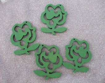 x 4 wooden 47 mm x 40 mm pendant or charm green flowers