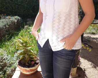 White shirt sleeveless in broderie anglaise