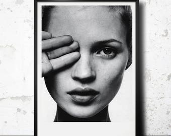 Kate Moss hand over the eye poster. Printable Kate Moss photography. Fashion printable poster. Instant download
