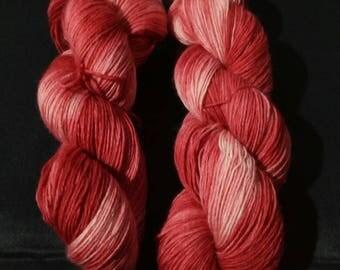 "100g strand hand dyed 4-fold socks wool ""reds"""