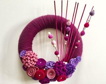 Wreath door wreath, wool wreath, Dekokranz, decoration, wool, felt, purple, fuchsia