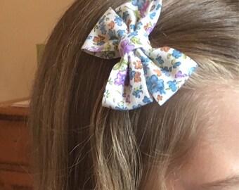 Purple / blue bow, hair bow, vintage floral look hair bow, hair accessories, childrens hair clips, girls accessories