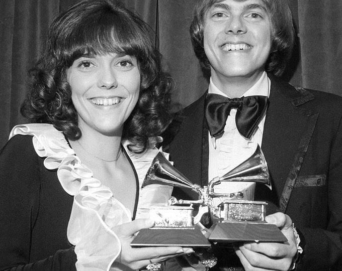 """Karen and Richard Carpenter of """"The Carpenters"""" - 5X7, 8X10 or 11X14 Publicity Photo (ZY-407)"""