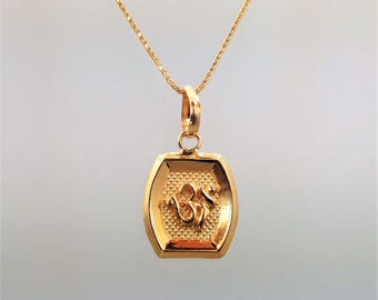 GOLDSHINE 22K Solid Yellow Gold Pendant OM Aum Sacred sound Spiritual icon Genuine and Hallmarked 916