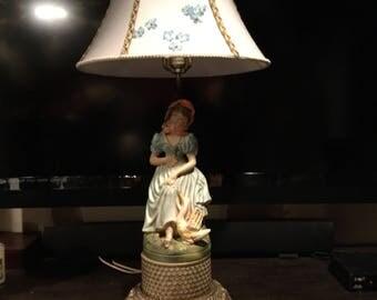 Vintage figurine lamp