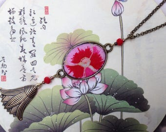 Necklace-long flower lotus thought red Japanese paper.