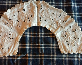 Vintage French hand made Collar