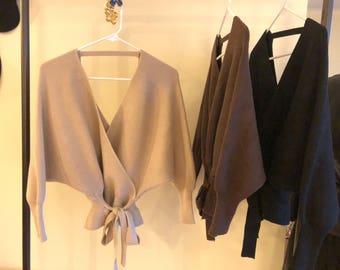 Long Sleeve Lantern Sweater// Size XS-M