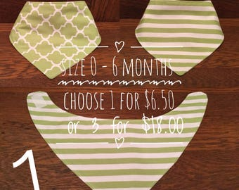 Reversible 0 - 6 month food/drool bibs