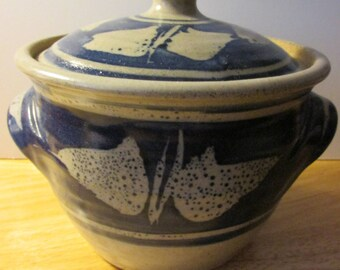 Country Style Pottery Crock-Soup-Hot Pot with Lid, 6 1/2""