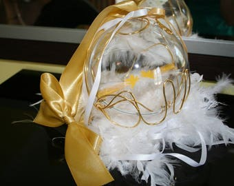 Ball holder feathers beads gold and white