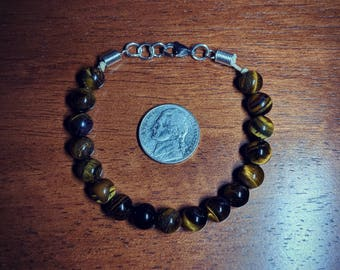Tiger's eye hemp bracelet.