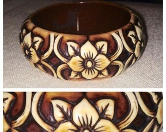 On Sale Gorgeous Vintage Butterscotch Carved Bangle Bracelet