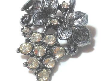 Vintage Silvertone Grape Rhinestone Pin