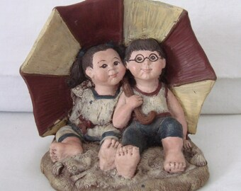 SARAH'S ATTIC 1990 Katie & Whimpy At The Beach Figurine - Granny's Favorites