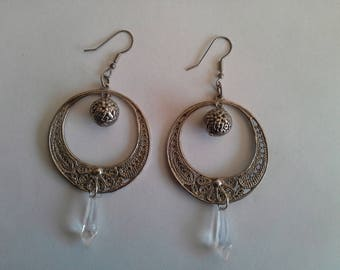 dangle earrings are chic and elegant old style