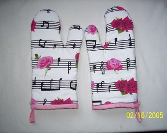 Music & Roses Oven Mitts