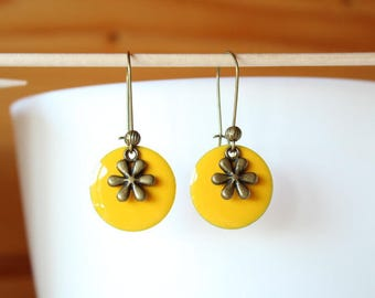 bronze earring with yellow sequin Sun and flower