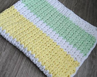 Crochet super soft baby blanket