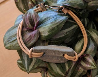 Distressed Tan Leather Beach Stone Bracelet