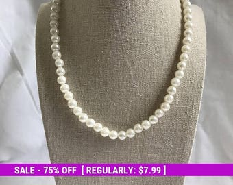 Vintage Pearl Bead Necklace, Stretchy Necklace, Retro, Elegant, Estate Jewelry