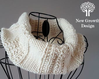 Infinity Cowl, Cowl Scarf, hand knitted cowl, cream scarf, chunky cowl, chunky scarf, loose cowl, cream cowl