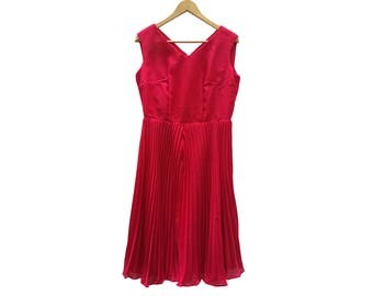 Vintage RED dress//Vintage dress//tulle//vintage clothing//vintage clothing//women's gift//prom dress//party