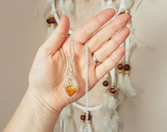 Reiki infused citrine necklace // Wire wrapped